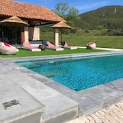 House T4 Inserted With Pool and Barbecue on Thursday in the Serra da Arrabida