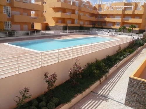 Fantastic and Modern Apartment T2 - Condominium With Swimming Pool - Internet