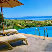 Stylish Villa With Stunning Panoramic Sea Views & Private Pool