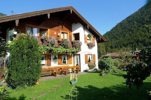 Comfort Room 26m² , With Breakfast, Hiking Trails From the House, Quiet Location