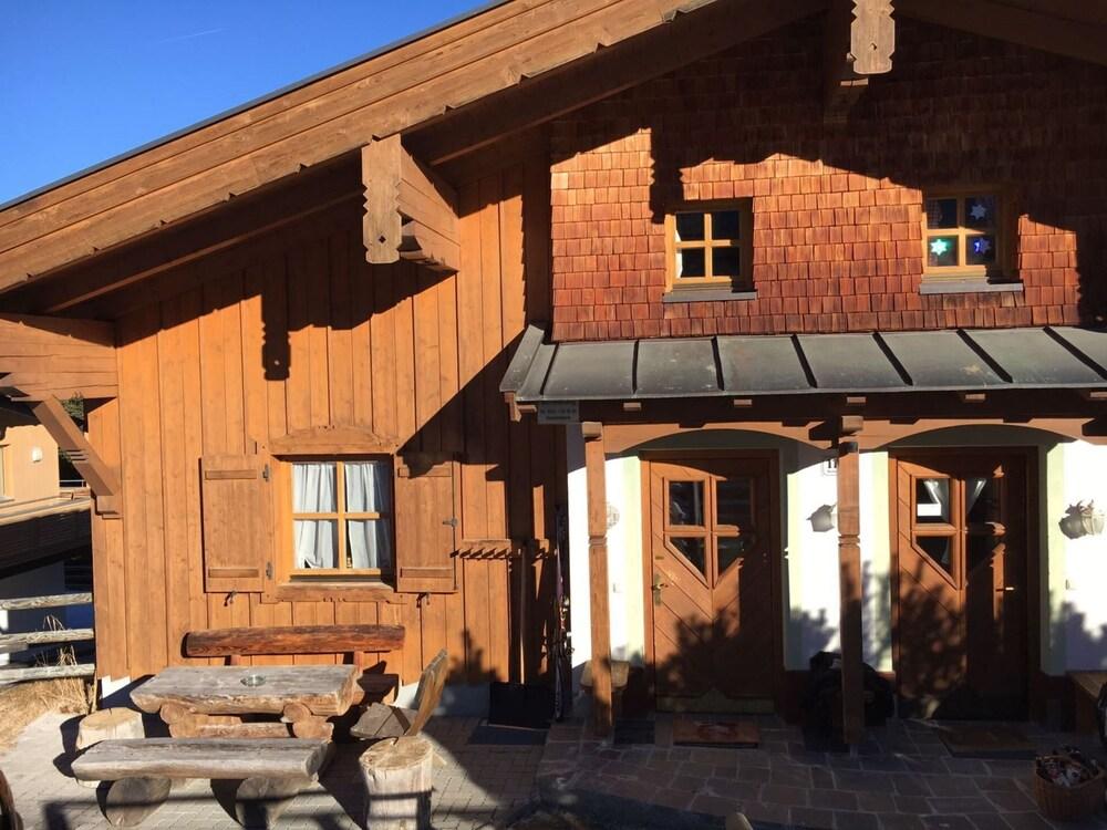 Schone Ferienwohnung In Hochkrimml Mit 2 Parkpl Balkon Terrasse