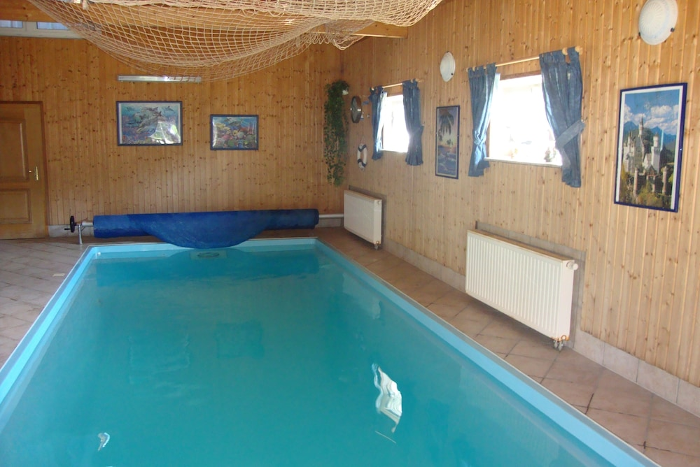 Holiday Home Ender With A Small Private Zoo And Heated Indoor Pool