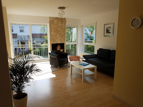 Nice, Quiet and Bright 60sqm Apartment 4 People