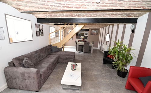 Gîte Rome Duplex With Sober and Modern Decoration. 6-8 Adults