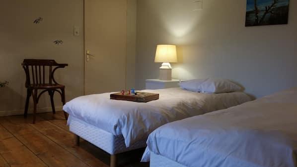 3 chambres, lits bébé