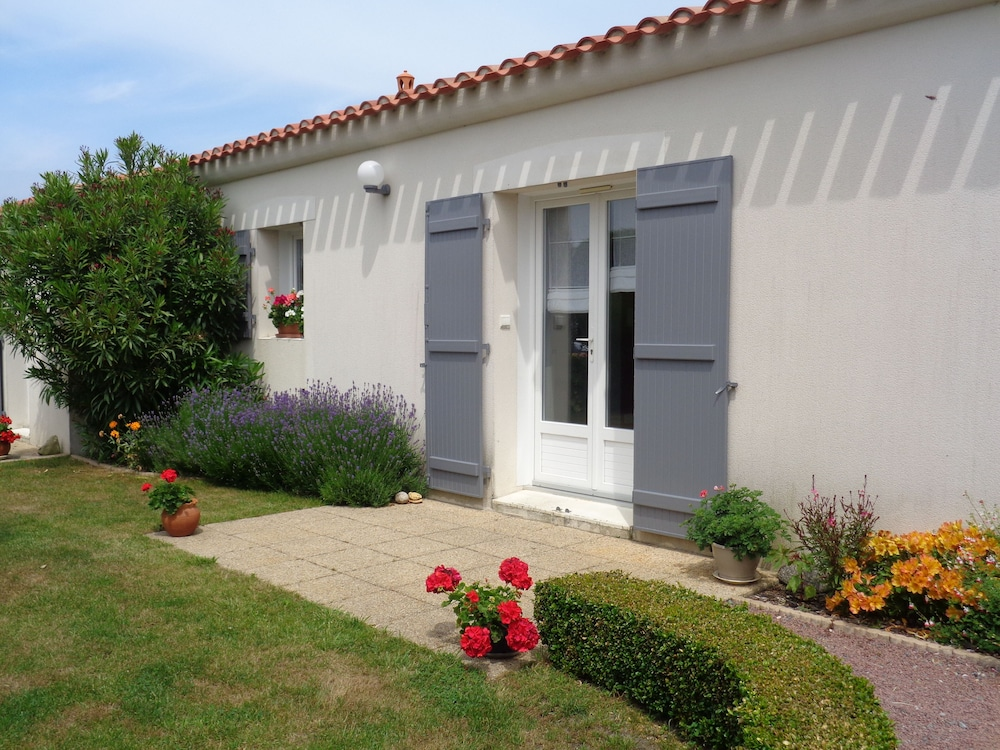 Vendeenne House On The Island Of Noirmoutier La Gueriniere