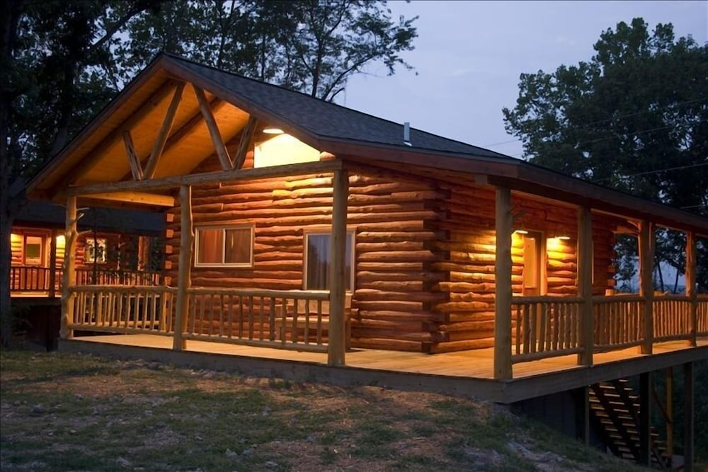 Marvelous Beautiful Log Cabin With Views Of Beaver Lake 2 Levels Download Free Architecture Designs Scobabritishbridgeorg