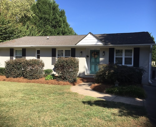 Great Place to stay Walking Distance to Reynolda House and Gardens. Close to Wake Forest University near Winston-Salem