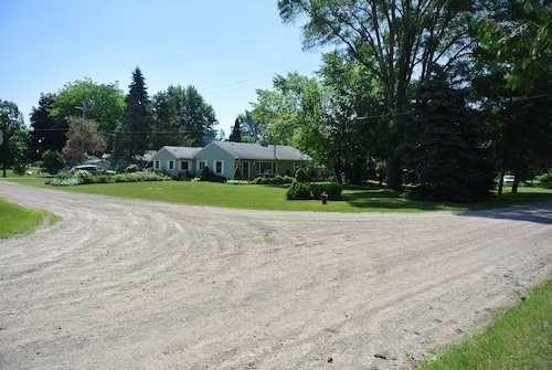 Charming Cottage By Lexington Mi With Lake View Private Beach Access