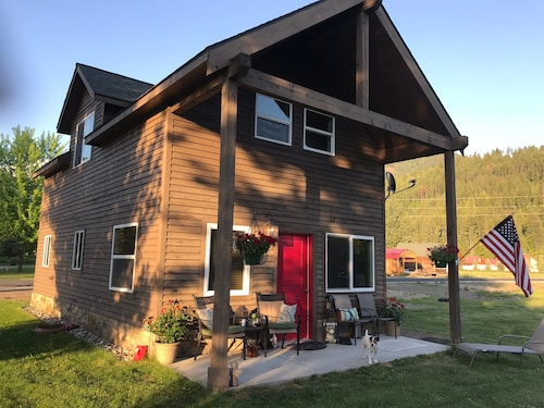 Beautiful Private Setting, Adorable Cabin With Fire pit 2 Cabins Available
