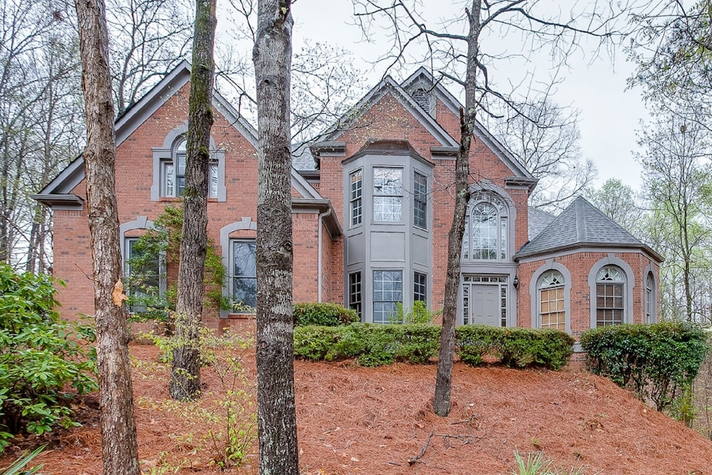 Grand Home Near Lake Lanier and the Chattahoochee in Gainesville