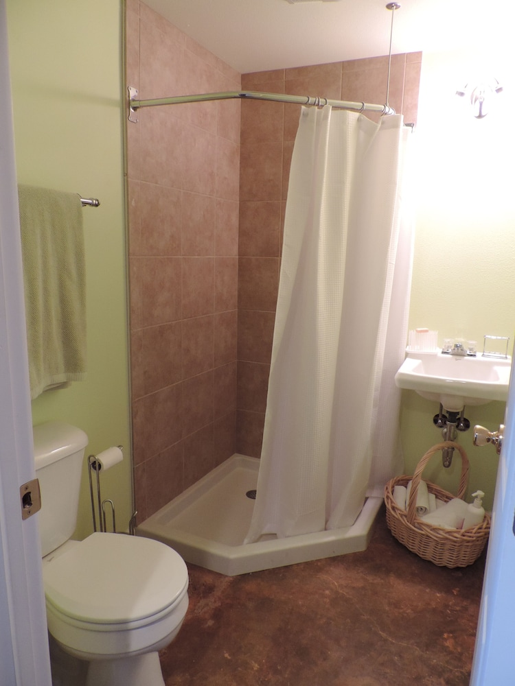 Bathroom, The Hideaway Is The Place To Stay For Privacy, Relaxation, And Seclusion
