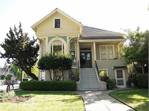 Affordable Vacation Rental in Alameda - SF Bay Area