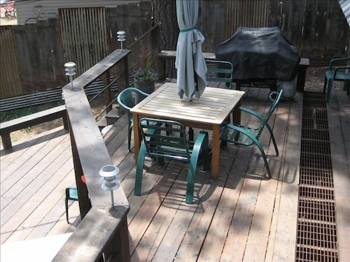 Balcony, Mineshaft, Creek Front, Hot Tub, Close to Town, Ski Area 20 Miles