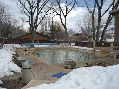 Pool, Mineshaft, Creek Front, Hot Tub, Close to Town, Ski Area 20 Miles