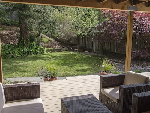 Sunny Marin House Ideally Located Between San Francisco & The Wine Country