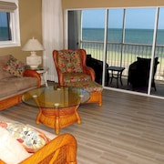 Amazing Ocean View Condo on the Beach!