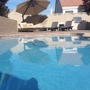Beautiful Las Vegas/ Green Valley, 3bdrm, 2 Bath Pool Home , 10 min From Strip