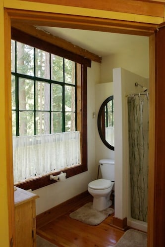 Bathroom, Rustic. Artistic. Island Living. The Perfect Relaxing get Away