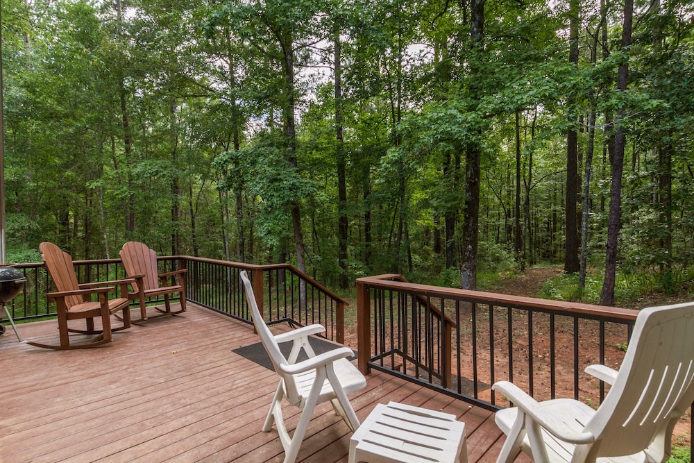 Balcony, Awesome Lakefront Lakehouse Cabin In Lagrange