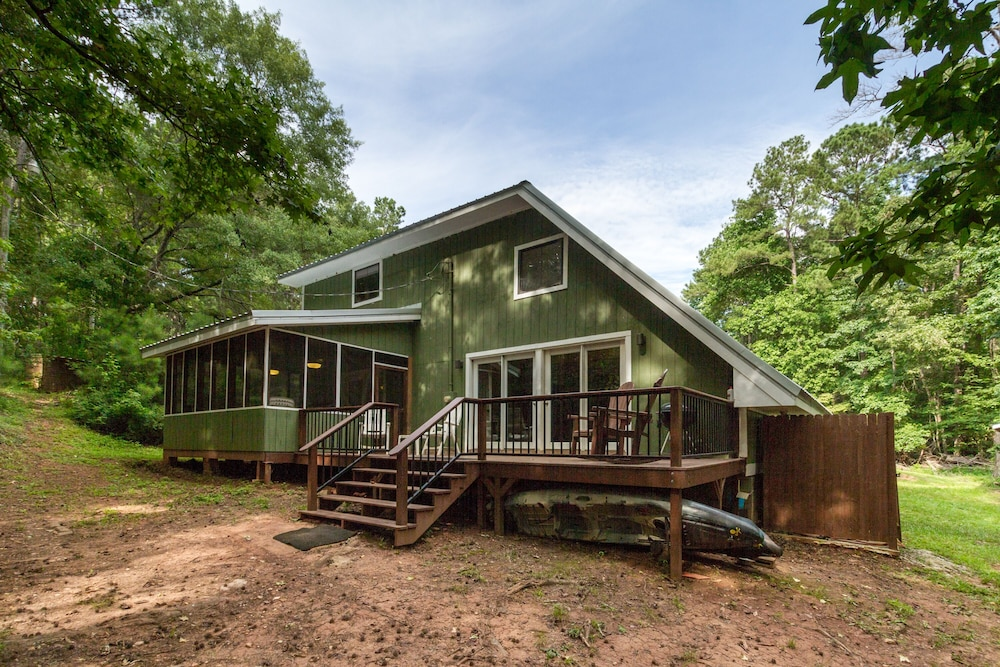 , Awesome Lakefront Lakehouse Cabin In Lagrange