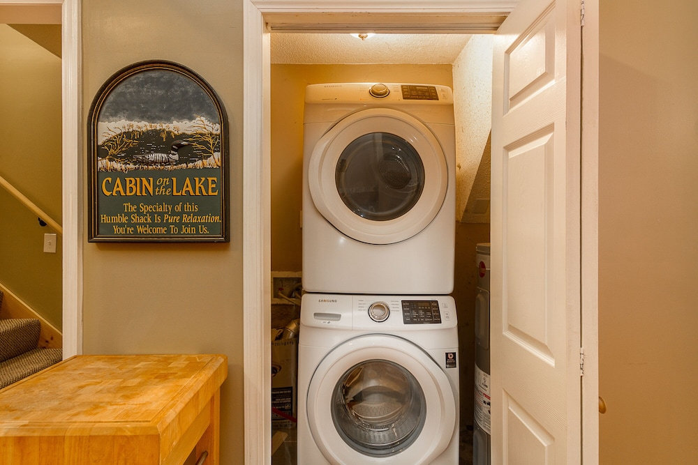 Laundry, Awesome Lakefront Lakehouse Cabin In Lagrange