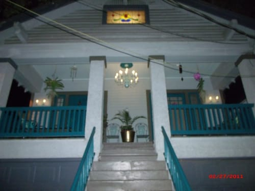 Great Place to stay Monthly Rental/hot Tub/uptown/universities/audubon Park near New Orleans