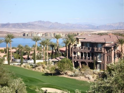 Touch of Class-2br Lake Las Vegas Villa Specials