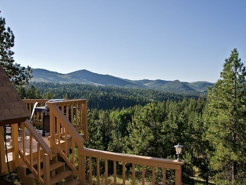Cripple Creek Cabin With Fantastic Views And Hot Tub