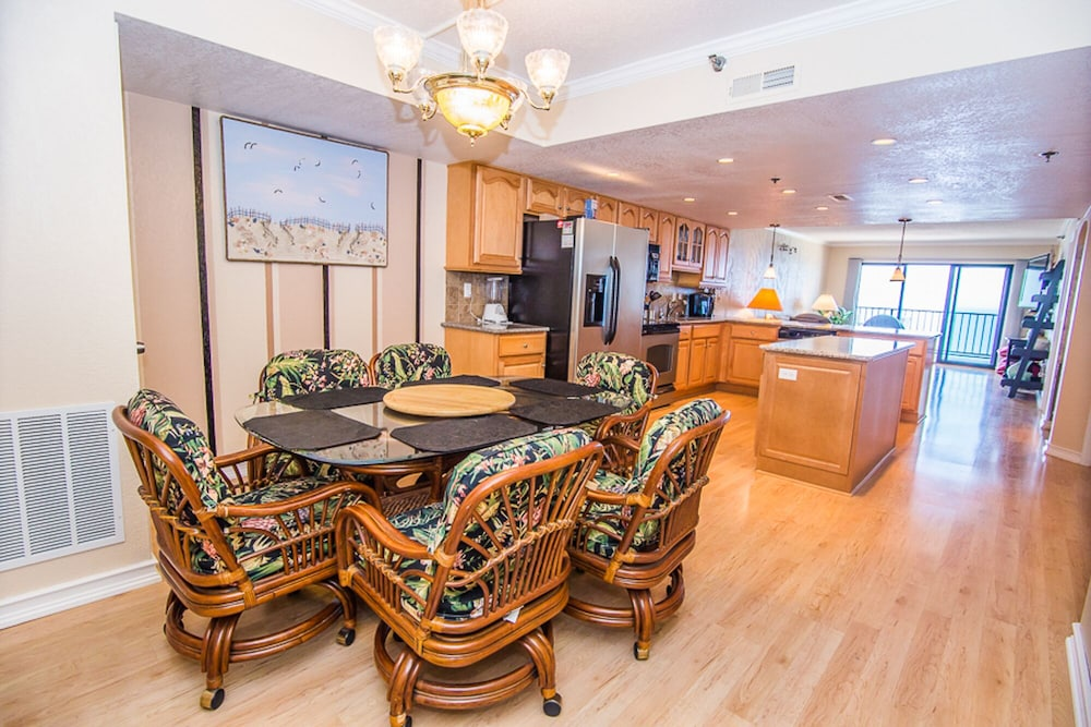 Luxury Condo For That Special Vacation! Designer Kitchen And Baths! 0.0 Out  Of 5.0