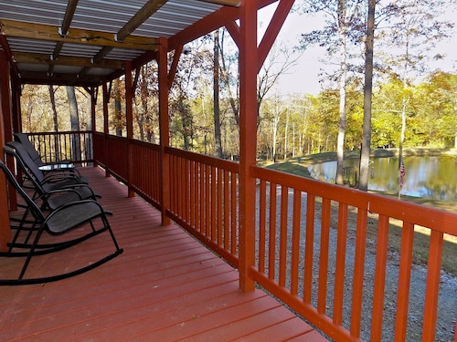 Quiet And Rural Retreat Near Wine Trail And Great Hiking & Hunting in the Area