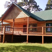Peaceful Log Home Secluded on 21 Acre Mountain top Near Tellico Plains Tn