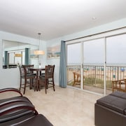Luxurious Beachfront Condo With Stunning Views