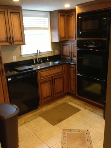 Private Kitchen, Sticks In The Sand 1A, Private Beaches! 2 Bedroom, 2.5 Bth Sleeps 8