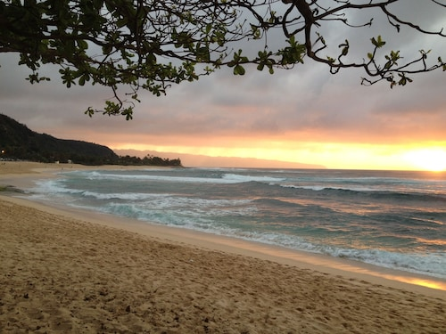 Sunset Beach Studio W/ac, Haleiwa, Hawaii, Sunset Point Studio, Steps to Beach