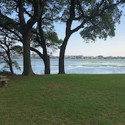 Waterway Perch Apt 2 Br/1 BA Intracoastal View Wifi Linens Full Kitchen