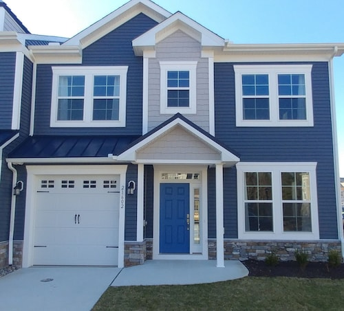Stunning New End Unit Townhome in Rehoboth, Free Wifi & Beach Parking Pass