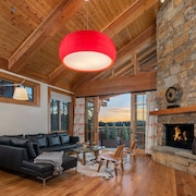 Ski-in, Ski-out Penthouse Condominum, Located in the Heart of Teton Village
