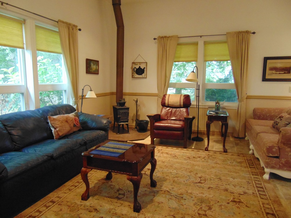 Living Room, Scenic Willamette Valley Location; Peaceful Country Retreat