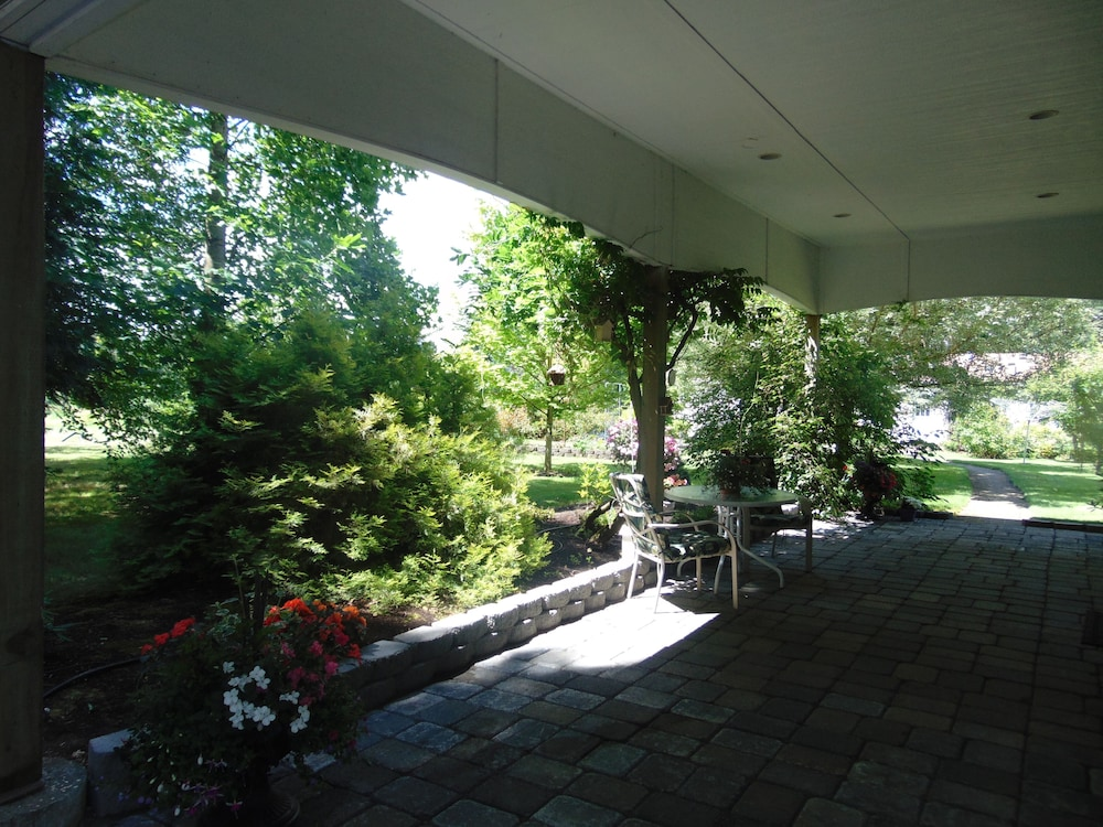 Terrace/Patio, Scenic Willamette Valley Location; Peaceful Country Retreat