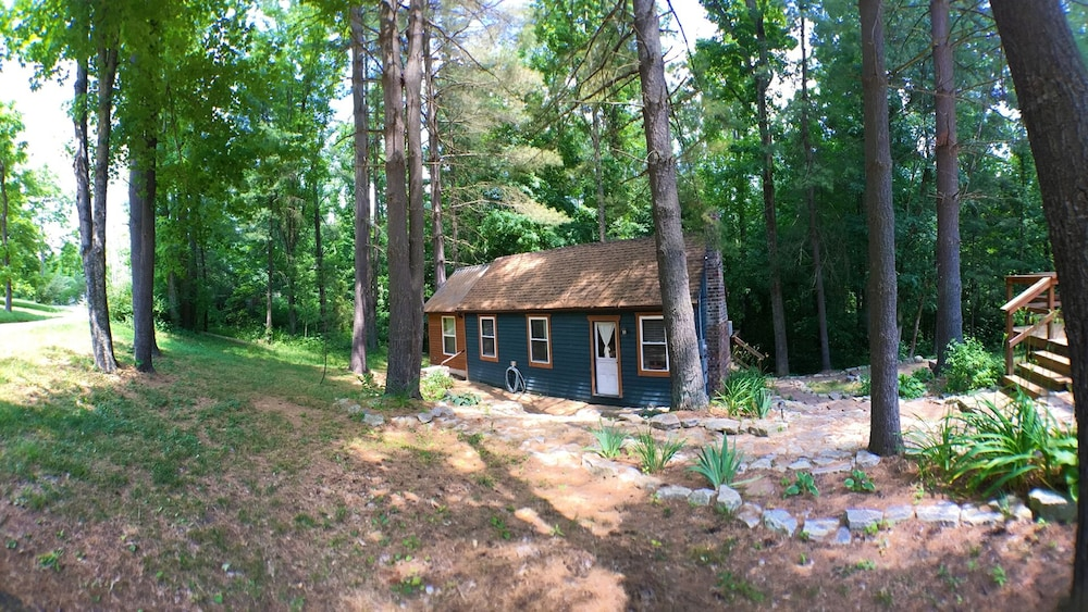 Property Grounds, Cabin In Burr Oak State Park