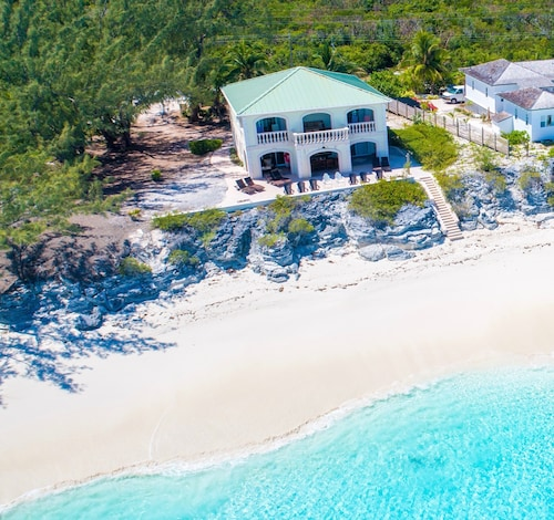 Papaya House Exuma on Spectacular Beach