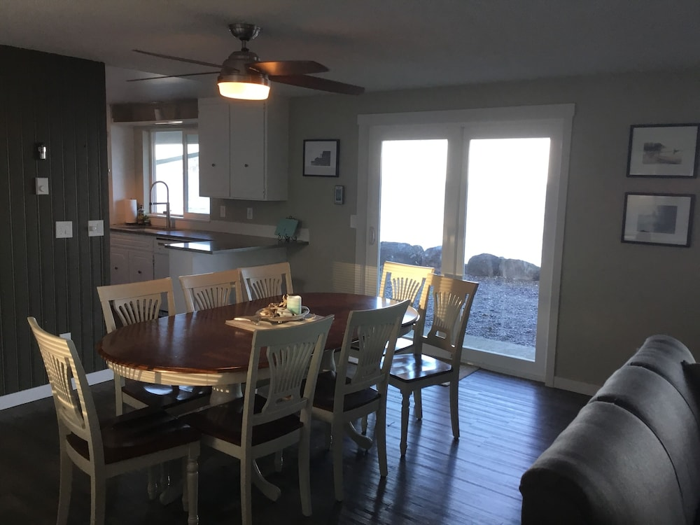 Private Kitchen, Stay at the Best Olympic Peninsula Ocean Beach Retreat!