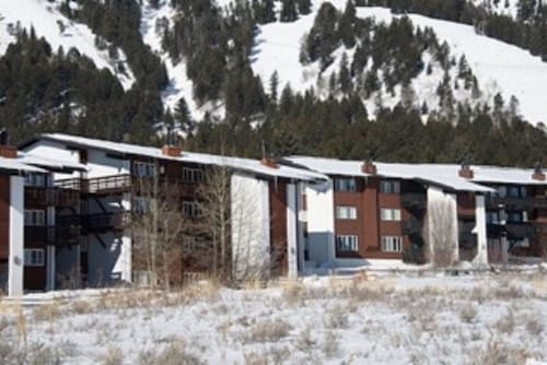 Mountain Side 2 Bedroom Condo At Jackson Hole Mountain Resort , Teton Village
