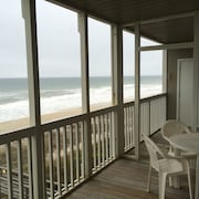 Great Ocean Views on the Beach in Pine Knoll Shores