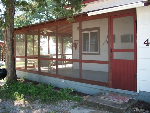 Ozark Mountain Cabin on Beautiful Lake Norfork - Family Friendly, pet Friendly
