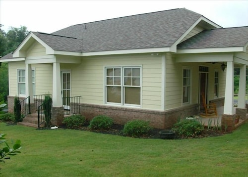Beautiful New Cottage in Landrum, South Carolina