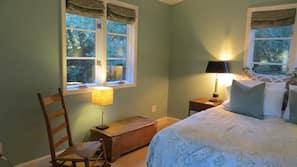 2 Schlafzimmer, Zimmersafe, Schreibtisch, Bügeleisen/Bügelbrett