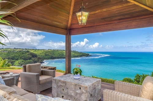 Air-conditioned Hawaiian Plantation Home With Breathtaking Ocean Views