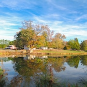 Beautiful Farm stay Close to Town and Jordan Lake